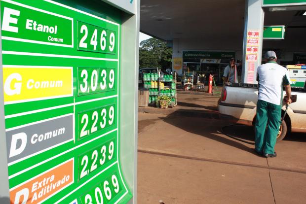 Preço do litro da gasolina já ultrapassa R$ 3 em Dourados e assusta motoristas - Crédito: Foto : Hedio Fazan/PROGRESSO