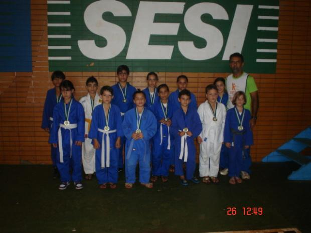 Equipe de Judô do Sesi de Dourados que conquistou bons resultados na Copa Dourados - Crédito: Foto : Divulgação