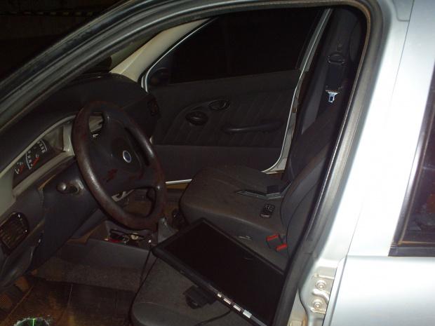 Veículo abandonado ajudou na localização do professor - Crédito: Foto: Divulgação