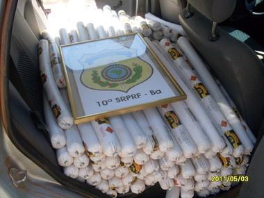 Explosivos foram flagrados em carro de passeio no oeste da BA - Crédito: Foto: PRF/BA