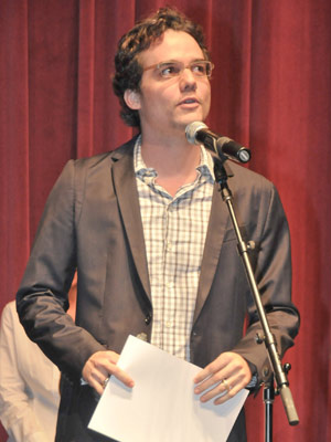 O ator Wagner Moura durante entrega de prêmio da  APCA - Crédito: Foto: Fábio Guinalz/Fotoarena/AE
