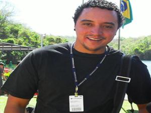 Leonardo Alves, repórter cinematográfico da TV Integração, morreu no acidente.  - Crédito: Foto: Divulgação / TV Integração