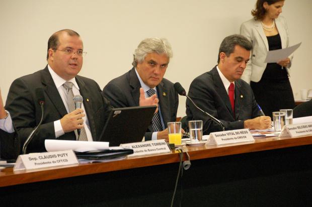 Delcídio destaca afinação da área econômica no combate a inflação  -