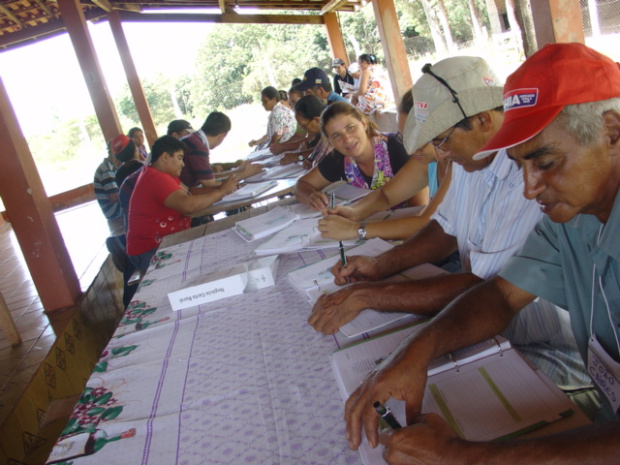Iniciativa ensina pequeno produtor a gerir propriedade rural -