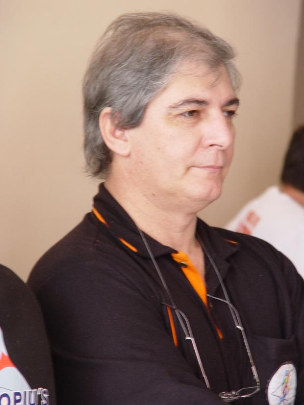 O presidente da FBolMS, Gilson do Mar, que pretende massificar o boliche no MS - Crédito: Foto : Marcelo Humberto/Arquivo