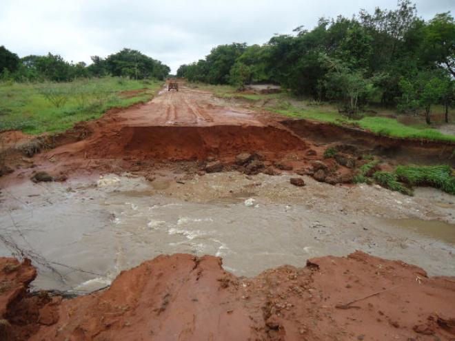 excesso de chuva causou estragos em diversos pontos do Estado Foto: reprod. -
