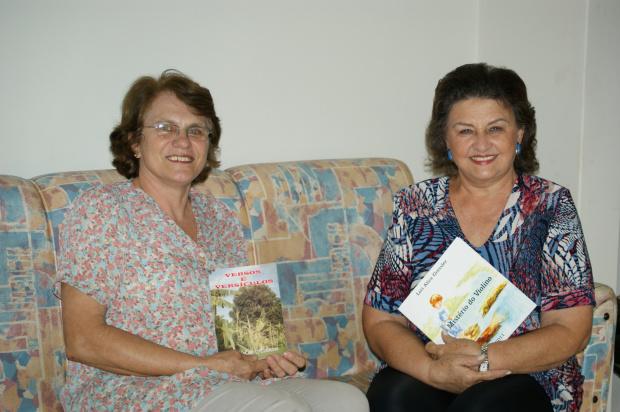 Ruth Hellmann e Lori Alice Gressler lançam livros amanhã na Escola Mace - Crédito: Foto: Hedio Fazan/PROGRESSO