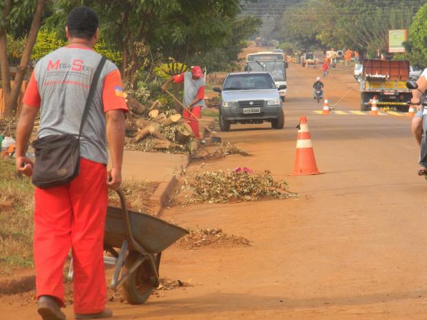 Mutirão inclui limpeza, poda de árvore e reparo na iluminação pública - Crédito: Foto: Divulgação