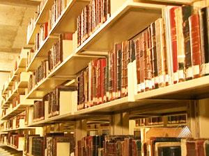 Acervo da biblioteca é de mais de 600 mil itens  - Crédito: Foto: Reprodução/ TV BA