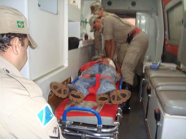 Jovem morreu depois de ser esfaqueado no abdômen - Crédito: Foto: Cido Costa