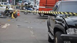 Colisão de motocicleta com caminhonete provocou uma morte - Crédito: Foto: Tawany Marry/G1 MS