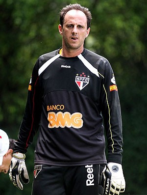 Rogério Ceni diz que grupo confia em Carpegiani  - Crédito: Foto: Luiz Pires / VIPCOMM