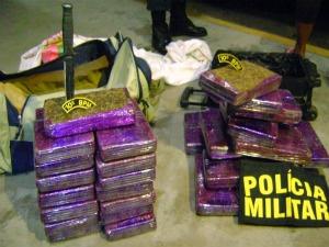 Mulher trocou carro por droga - Crédito: Foto: Divulgação/PM