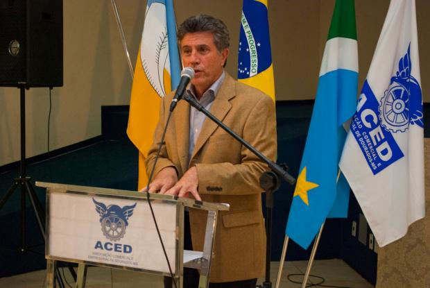 Prefeito Murilo Zauith fala a empresários durante posse de novo presidente da Aced - Crédito: Foto: Divulgação