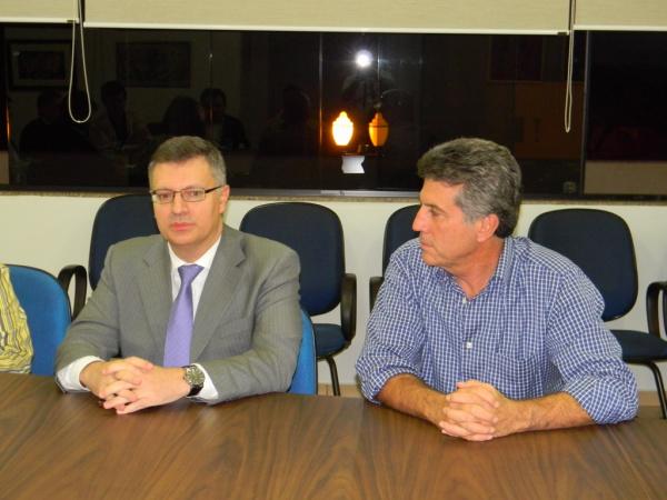 juiz Antonio Carlos Braga e Murilo  Foto: Assecom -