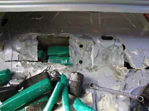 Droga estava escondida no interior de lataria de veículo - Crédito: Foto: Divulgação/Polícia Federal