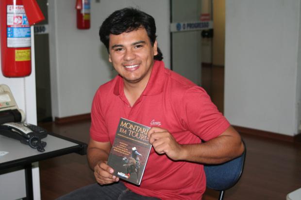 Marcelo Mourão lança livro neste sábado -