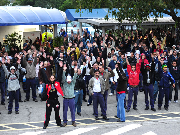 Funcionários do primeiro turno da GM em assembleia nesta sexta - Crédito: Foto: Lucas Lacaz Ruiz/AE