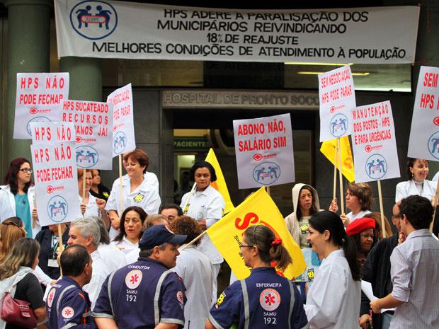 Servidores públicos fazem paralisação por reajuste salarial de 18% em Porto Alegre - Crédito: Foto: Marcos Nagelstein/AE/AE