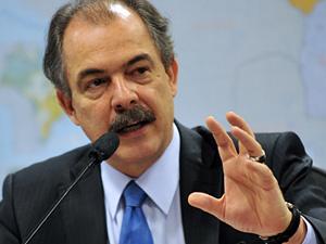 O ministro Aloizio Mercadante fala no Senado no último dia 4 de maio - Crédito: Foto: Antonio Cruz / Ag. Brasil