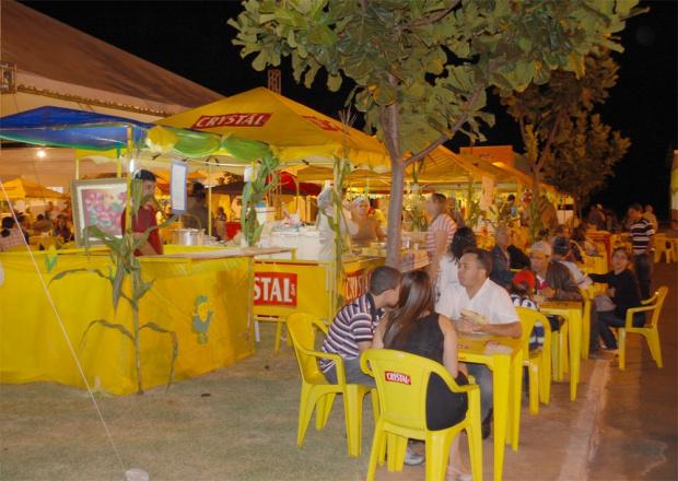 Mais de 10 mil pessoas prestigiaram a Festa do Milho de Jateí - Crédito: Foto : José Carlos/Vanderlei Carlos