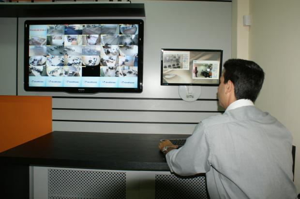 Segundo empresários, monitoramento aumenta segurança de patrões e empregados - Crédito: Foto : Hedio Fazan/PROGRESSO