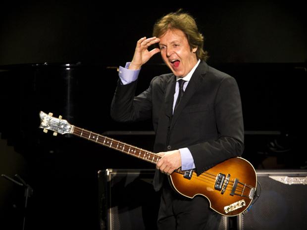 Paul McCartney em momento do show no Engenhão na segunda-feira - Crédito: Foto: AP