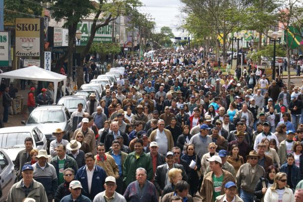 Produtores rurais foram às ruas de Dourados em 2008 num protesto contra a demarcação - Crédito: Foto: Hédio Fazan/PROGRESSO