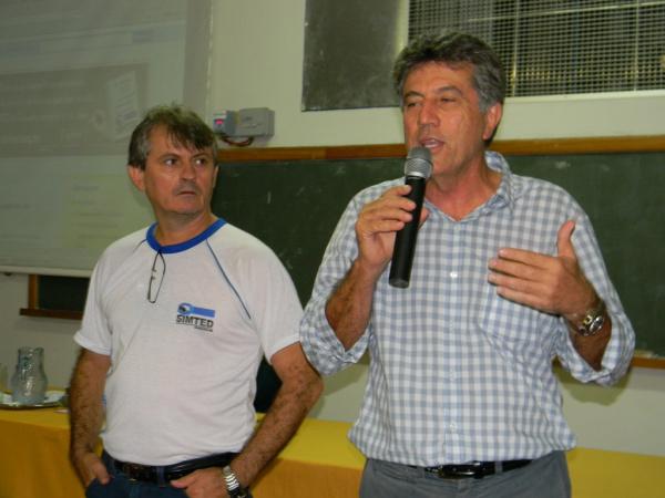 Prefeito Murilo Zauith participa de assembleia dos professores no Simted Foto: Assecom -