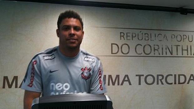 Ronaldo publicou foto direto da sala de musculação do CT do Corinthians - Crédito: Foto: Divulgação / Twitter