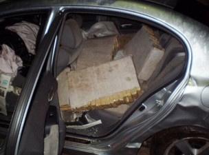 Polícia apreende em MS carro roubado com 487 kg de maconha - Crédito: Foto: Divulgação/DOF