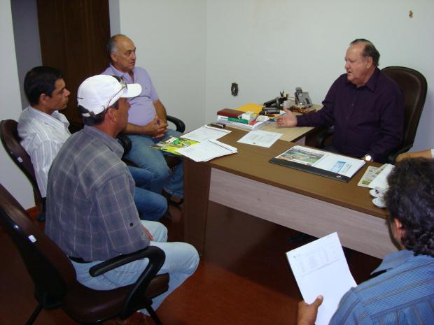 Ivan Louzada, presidente do PTB, durante reunião com novas lideranças - Crédito: Foto : Divulgação