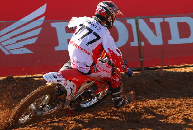 Swian Zanoni retoma treino com moto e confirma presença na etapa da França -
