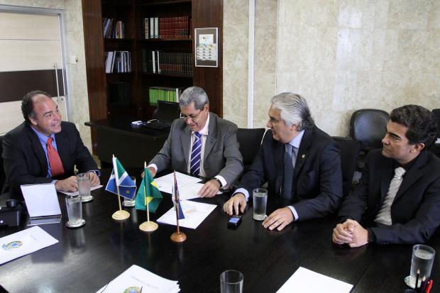 Marçal Filho, Delcídio do Amaral e André Puccinelli, reunidos com o ministro Fernando Bezerra - Crédito: Foto: Divulgação