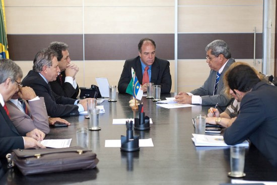 André Puccinelli e parlamentares durante reunião com o ministro da Integração - Crédito: Foto : Clodoaldo Silva