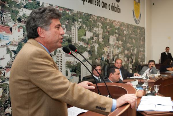 Prefeito Murilo Zauith faz balanço dos cem dias da administração na Câmara de Vereadores Crédito: Assecom -