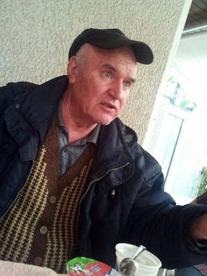 Imagem de 26 de maio mostra Ratko Mladic no dia em que foi preso na Sérvia - Crédito: Foto: Reuters