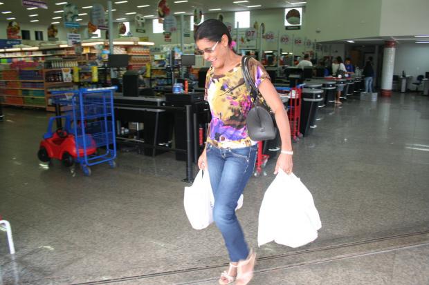 Uso de sacolas plásticas divide opiniões entre comerciantes e clientela de Dourados - Crédito: Foto: Hedio Fazan/PROGRESSO
