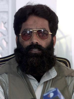 Ilyas Kashmiri dá entrevista em Islamabad em 11 de julho de 2001 - Crédito: Foto: Reuters