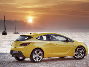 Opel Astra GTC estreia em Frankfurt  - Crédito: Foto: Divulgação