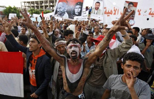 Manifestantes protestam nesta terça-feira - Crédito: Foto: AP
