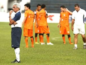 Givanildo parece não encontrar horizonte para a situação do Remo - Crédito: Foto: Marcelo Seabra / O Liberal