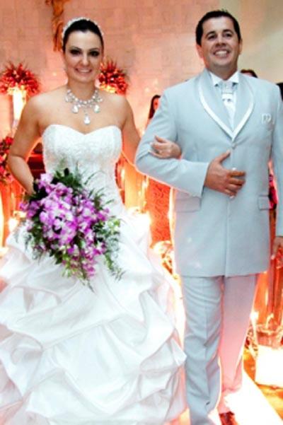 Os noivos Paula e George -