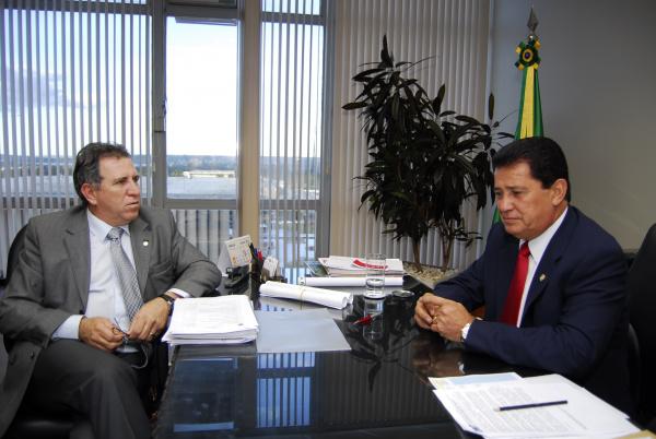 Giroto e o ministro Alfredo Nascimento  Foto: assessoria giroto -