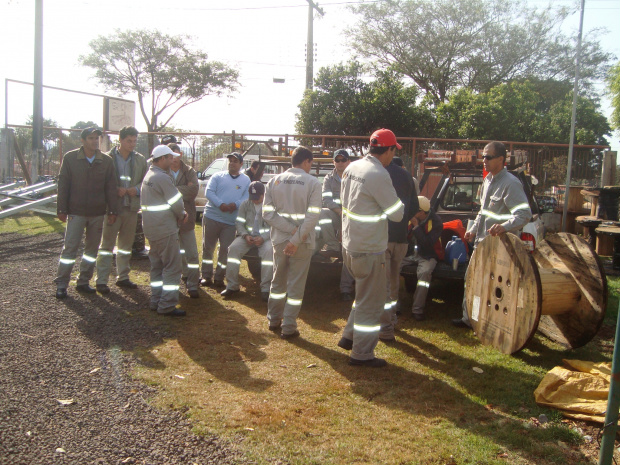 Trabalhadores suspenderam serviço; eles querem segurança e salário melhor - Crédito: Foto : Cido Costa
