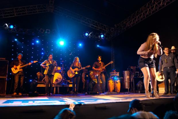Festa da Unigran foi um sucesso e com um grande público que assistiu aos shows - Crédito: Foto: divulgação