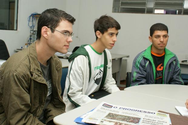 João Guilherme, John Richard e Luciano Amorin da 'DCE de Verdade' - Crédito: Foto: Hédio Fazan/PROGRESSO