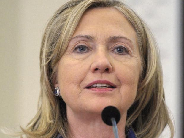 A secretária de Estado dos EUA, Hillary Clinton, dá entrevista nesta segunda-feira - Crédito: Foto: AP
