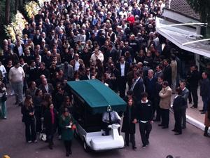 Executivo foi enterrado em cemitério da Zona Sul  - Crédito: Foto: Caroline Hasselmann/G1