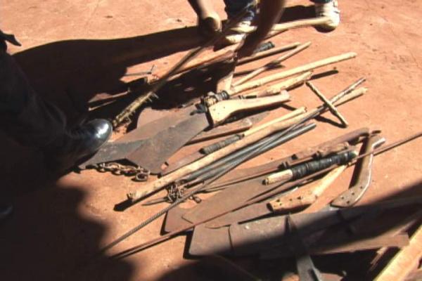 Armas entregues ontem pelas lideranças indígenas - Crédito: Foto : Hédio Fazan/PROGRESSO